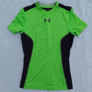 Under Armour heat gear fitted shirt boys Med